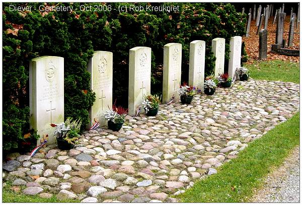 Cemetery Diever - CWGC graves - Oct 2008 - by Rob Kreukniet