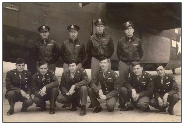 Crew '76' - in front of a B-24 - Walla Walla Army Air Base, WA, USA - 1943