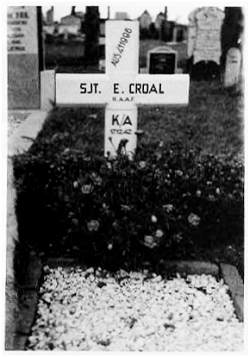 1949 - Photo of grave - AUS411996 Sergeant - E. Croal - RAAF