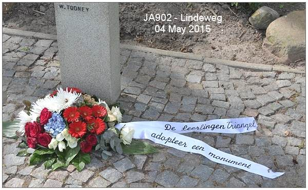Pupils of Triangel - Adopted Memorial JA902 - Lindeweg 13 - 04 May 2015
