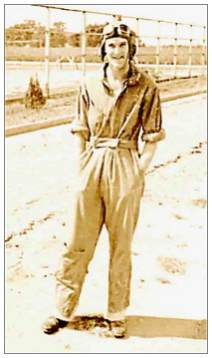Randall for training in the US - 1942