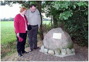 Memorial - visit Lynn & Bill - 3 Oct 2006 Noordwolde