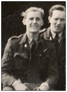 Edward 'Ted' Arthur Shorter - at crew photo - 1943