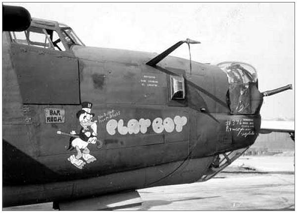 'Playboy' 41-293998 - Nose art - Starboard side