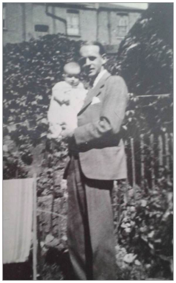 Raymond Edgar Hedges with his daughter Isobel - 1941