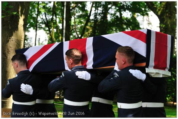 Reburial airmen (3) of DT795, Wapenveld - 28 Jun 2016