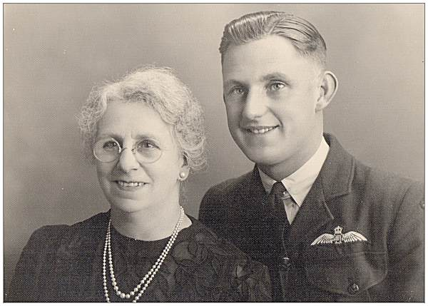 F/Sgt. Andrew Basil Reginald 'Reg' Airy with mother Ettie