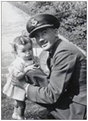 Freddie with his daughter Linda - abt. 1940/1941