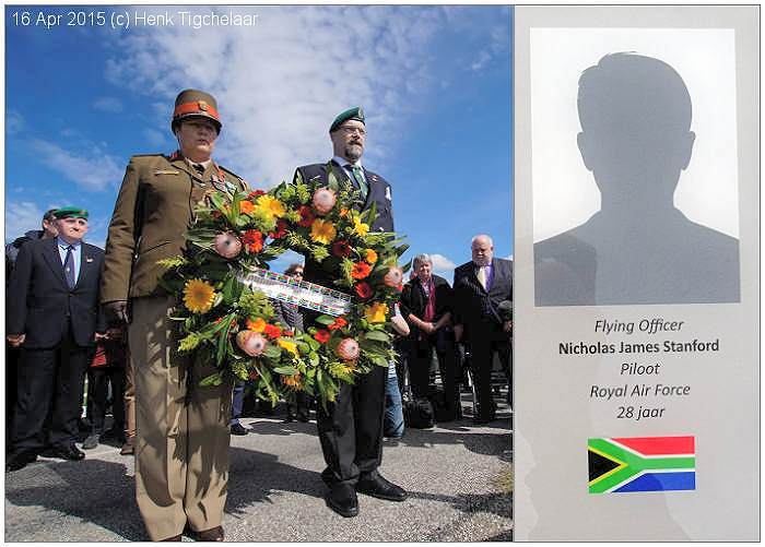 South African representives place wreath at memorial - 16 Apr 2015 - photo by Henk Tigchelaar