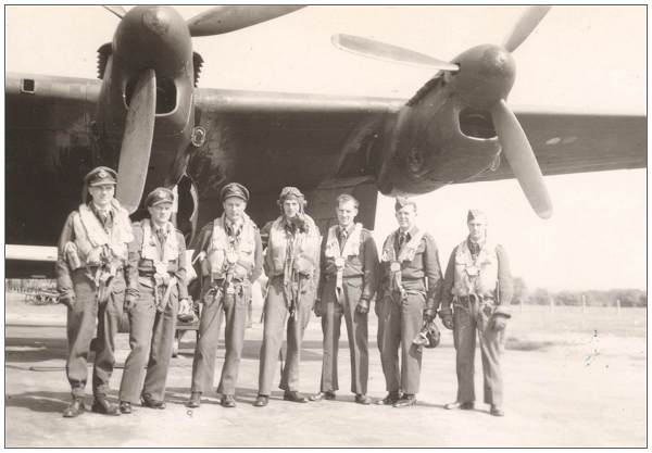 Unknown crew in front of Lancaster - from Newby's scrapbook