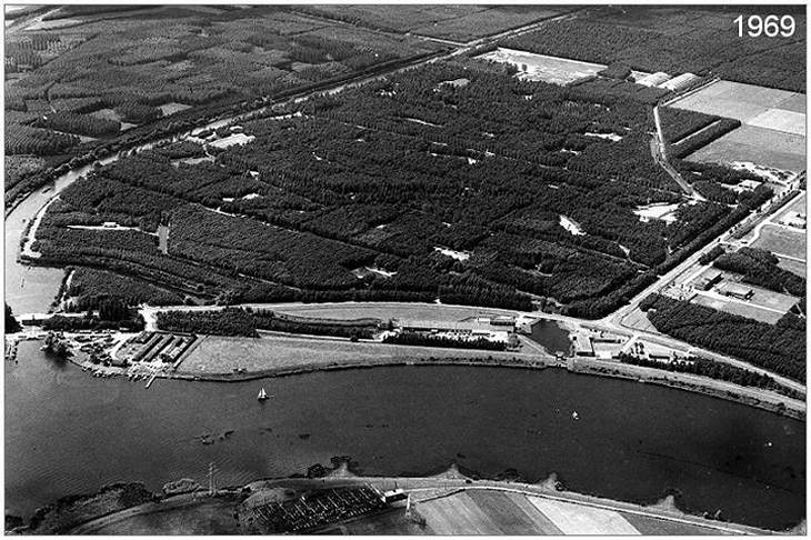 Aerial view - Luchtfoto terrein Waterloopkundig Laboratorium in 1969