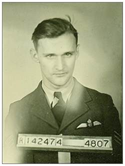 R/142474 - J/86851 - PO - Pilot - William Langenbeck Hunter - RCAF